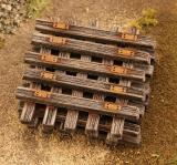 Old wooden sleepers 1:160