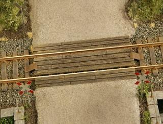 Wooden rail crossing 1:120
