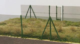 Chain fence with chain mesh gates 2m (1:160)